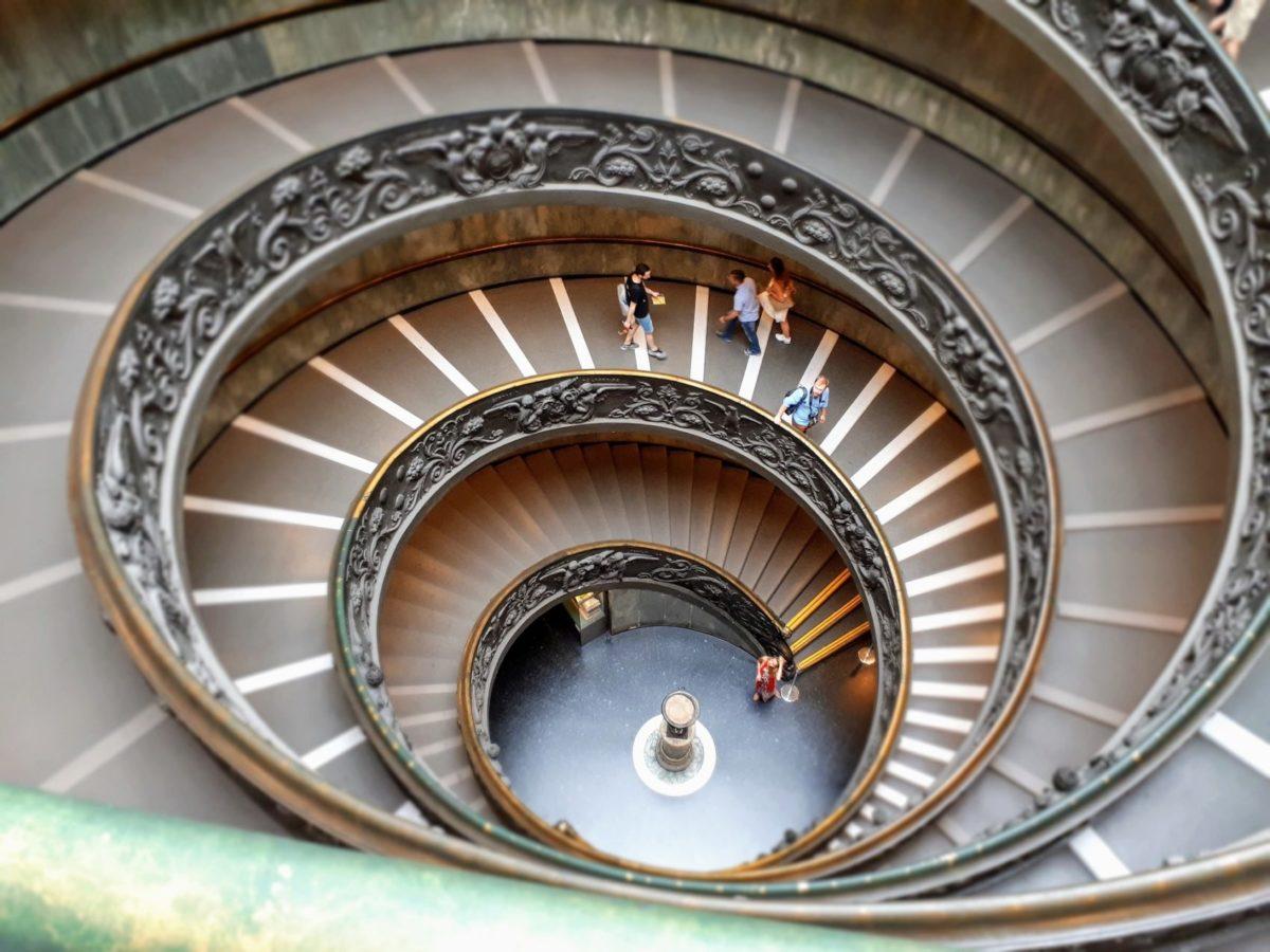 今日から出来る足腰強化法1 階段を歩く